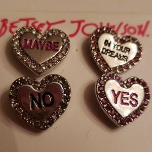 Betsy Johnson Nwt Sweetheart Earrings